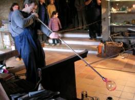 Museu del vidre - Exhibició de vidre bufat_2.jpg