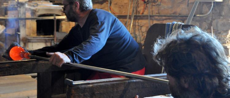Museo y horno del vidrio de Vimbodí y demostración de vidrio soplado