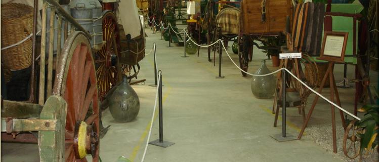 Museu de Carros i Eines del Camp