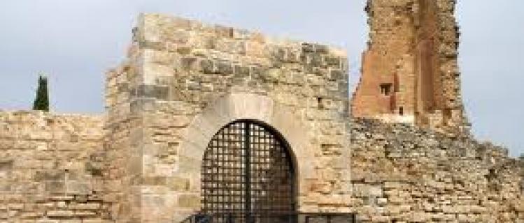 Visit the castle of Llorac Solivella